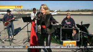 Mel sings