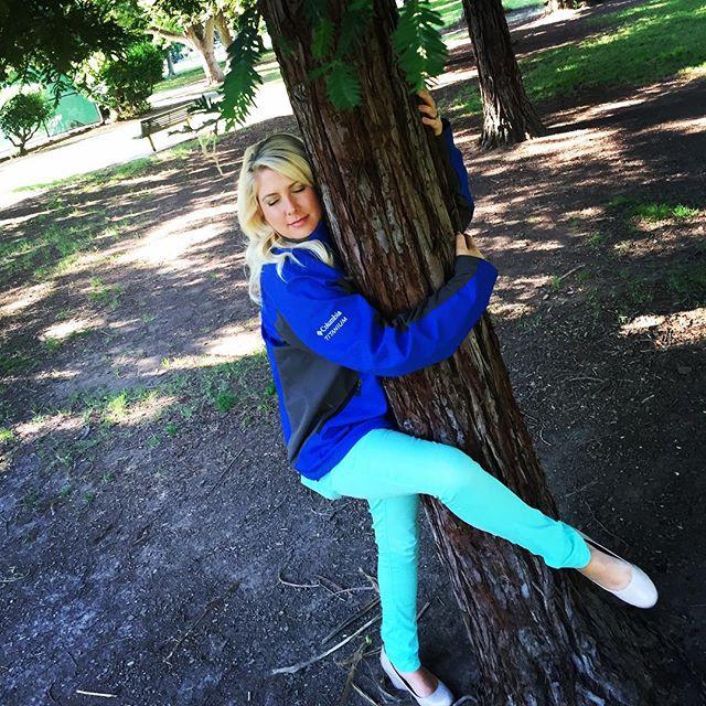Hug a tree 2