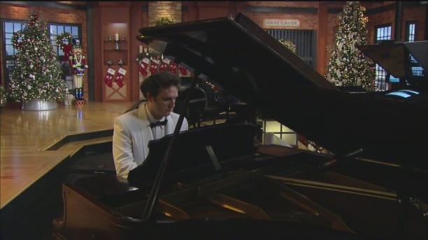 christmas-piano-3